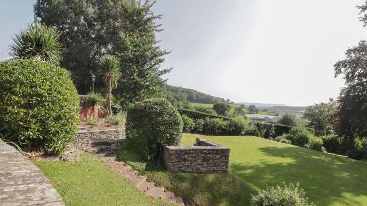 Croft Country Estate, sleeps  24,  Photo 37