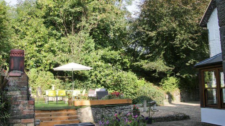 Brookside Manor House, sleeps  30,  Photo 58