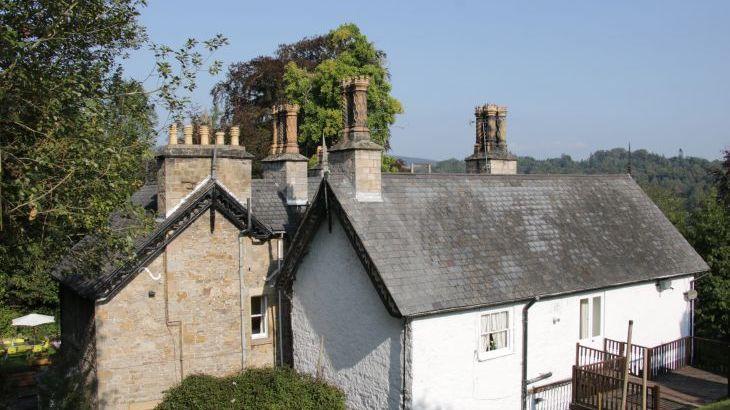 Brookside Manor House, sleeps  30,  Photo 55