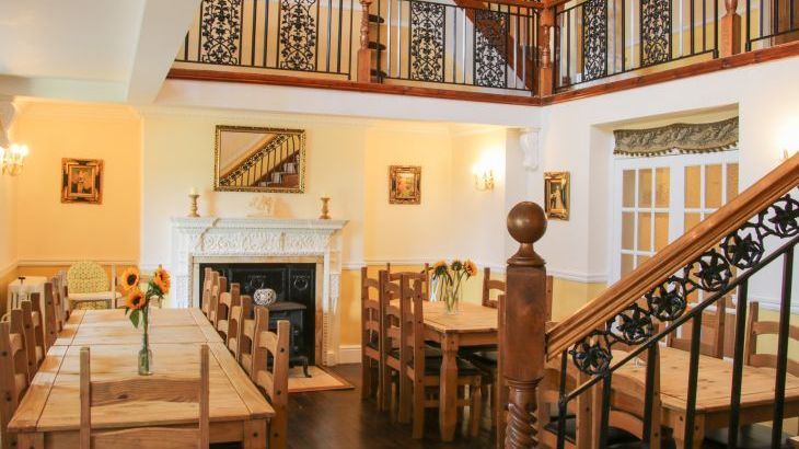 Brookside Manor House, sleeps  30,  Photo 19