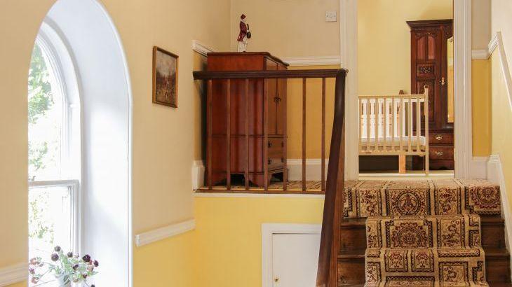 Brookside Manor House, sleeps  30,  Photo 27