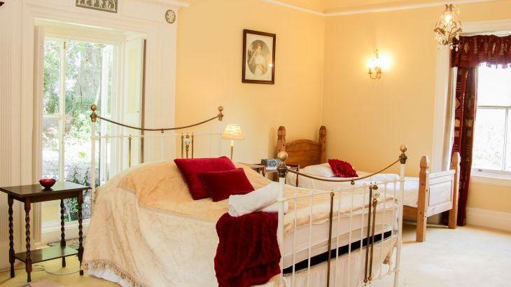 Brookside Manor House, sleeps  30,  Photo 28