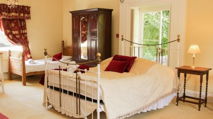 Brookside Manor House, sleeps  30,  Photo 29