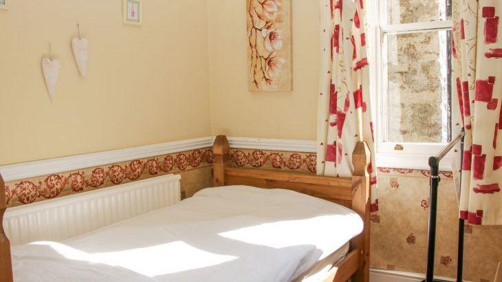 Brookside Manor House, sleeps  30,  Photo 38