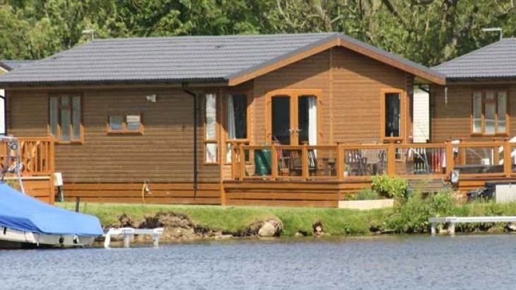 Lakeside Holiday Lodge - Main Photo