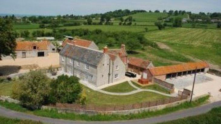 Woodlands Farmhouse , sleeps  14,  group holiday rental, Somerset