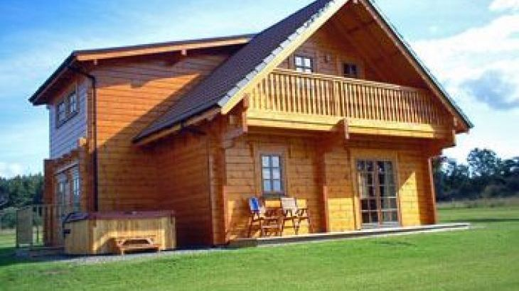 Mountwood Lodges, sleeps  6,  luxury log cabins, Perthshire