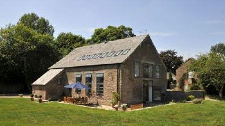 Owl Barn, sleeps  11,  group holiday rental, Herefordshire