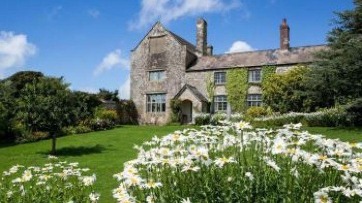 Ash Barton estate with pool, sleeps  35,  group holiday rental, Devon