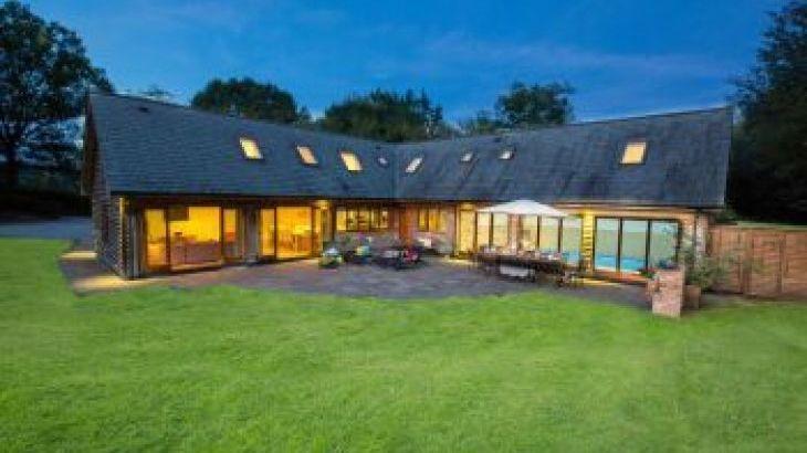 Flossy Brook, sleeps  12,  group holiday rental, Somerset