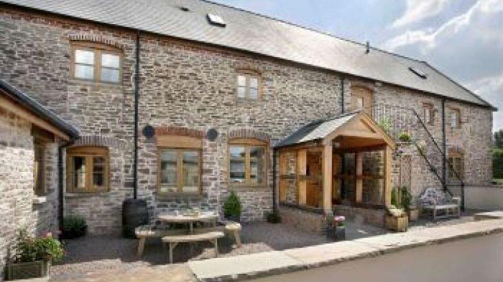 Trevase Granary, sleeps  18,  group holiday rental, Herefordshire