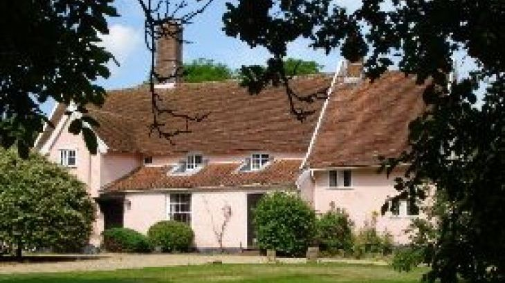 Toad Hall, sleeps  11,  group holiday rental, Suffolk