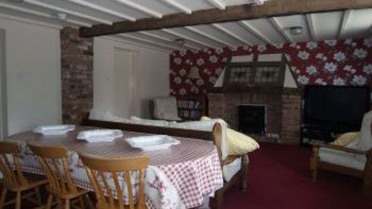 Granary Court, sleeps  26,  group holiday rental, Derbyshire
