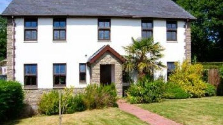 Dyffryn House, Kidwelly, South Wales , sleeps  12,  group holiday rental, Carmarthenshire