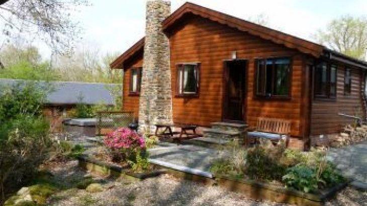 Milk Wood Lodges: Wnion Wood, sleeps  4,  luxury log cabins, Gwynedd