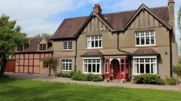Rosemore Grange, sleeps  26,  group holiday rental, Worcestershire