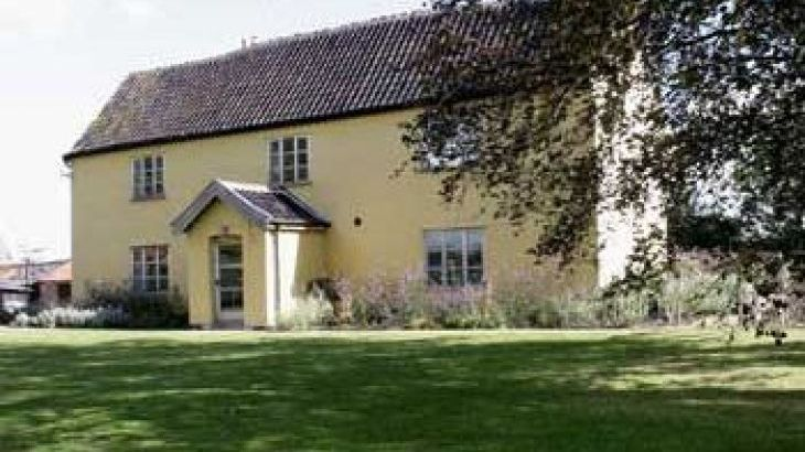 Grove Farm, sleeps  29,  group holiday rental, Suffolk