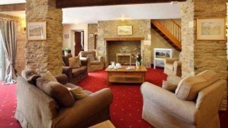Stanton House, sleeps  14,  group holiday rental, Gloucestershire