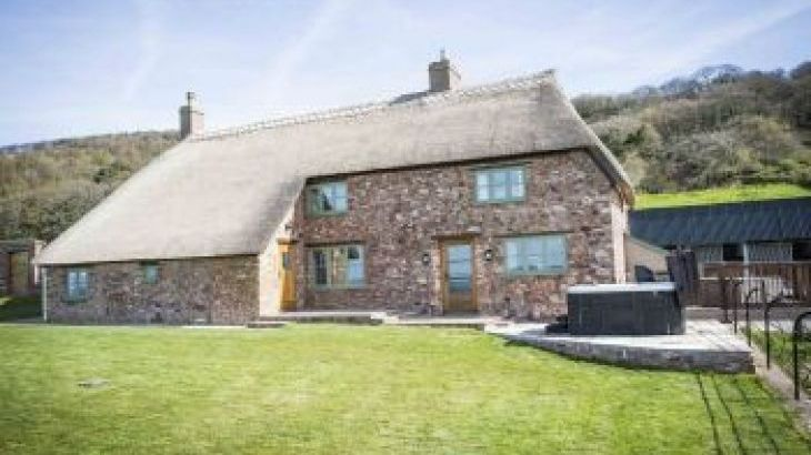 Rock Farm, sleeps  14,  group holiday rental, Somerset