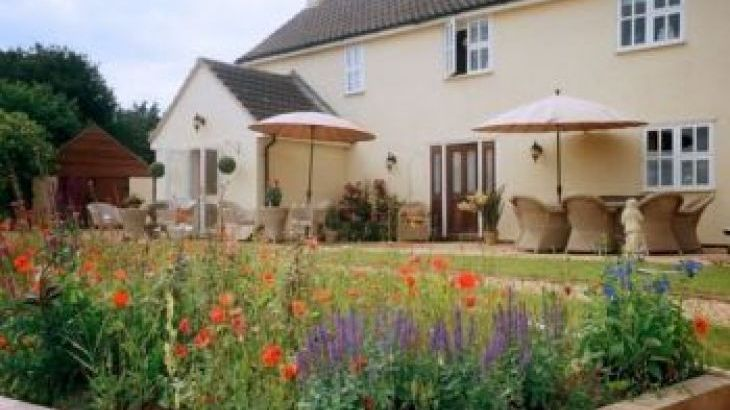 Meadow View, sleeps  20,  group holiday rental, Lincolnshire