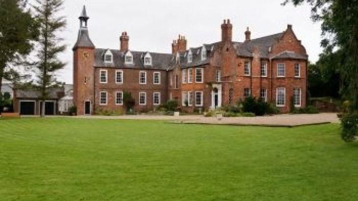 Skendleby Hall, sleeps  26,  group holiday rental, Lincolnshire