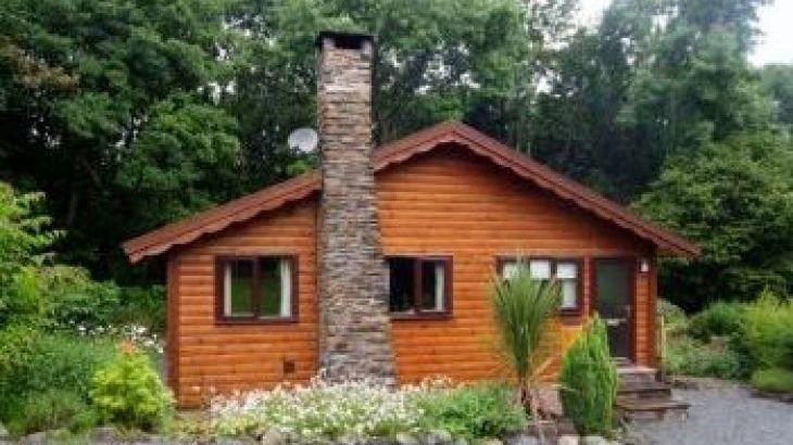 Milk Wood 5 star Log Cabin, sleeps  4,  luxury log cabins, Gwynedd