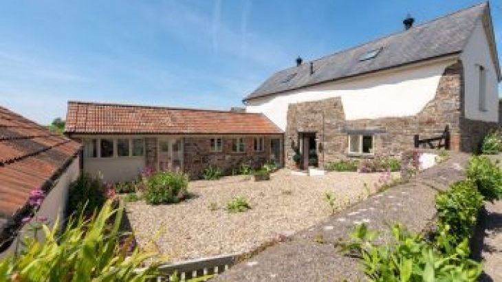 The Stables Parkgate Holiday Barn, sleeps  12,  group holiday rental, Devon
