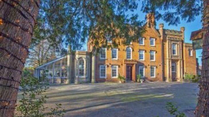 Pitmaston House, sleeps  14,  group holiday rental, Worcestershire