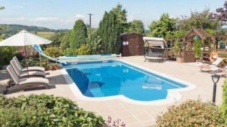 Foxhill Lodge, sleeps  10,  group holiday rental, Devon