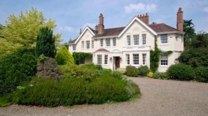 The Manor House, Richards Castle, Ludlow, sleeps  12,  group holiday rental, Shropshire