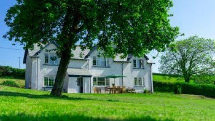 Braunton Farmhouse, sleeps  10,  group holiday rental, Devon