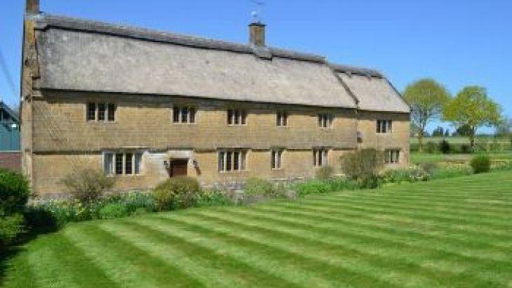 Higher Burrow Farm, sleeps  17,  group holiday rental, Somerset