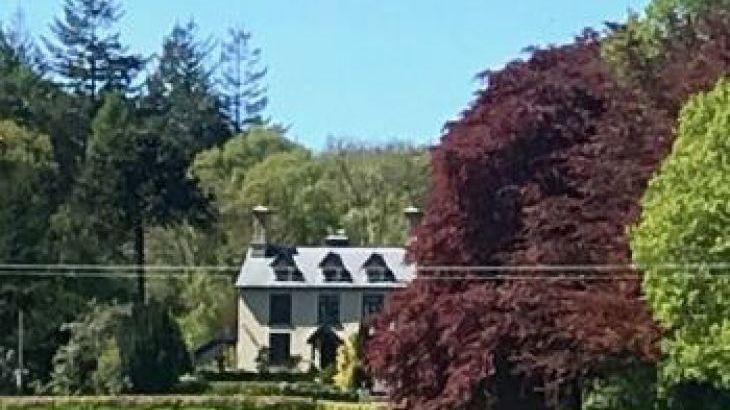 Garth Country House, sleeps  17,  group holiday rental, Powys