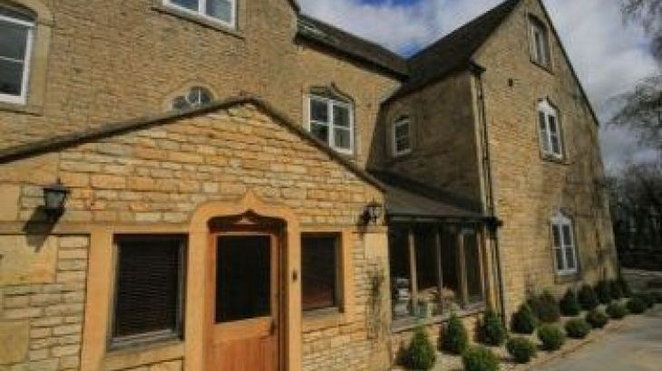 South Hill Farmhouse, sleeps  22,  group holiday rental, Gloucestershire
