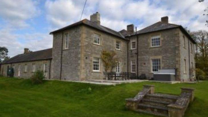 Portman House, sleeps  14,  group holiday rental, Somerset