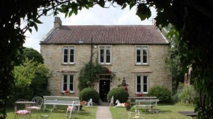 Castle Combe Cottages, sleeps  16,  group holiday rental, Bath and North East Somerset
