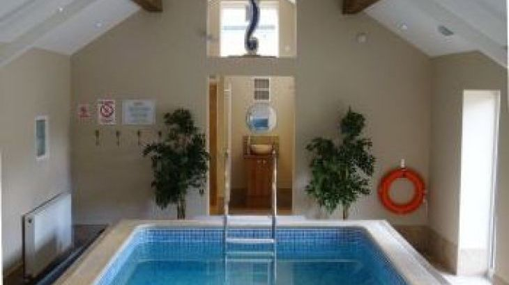 Oliver's Mill- 5 Star Swimming Pool, Toddler Play Area, Sports Area, sleeps  10,  group holiday rental, Shropshire
