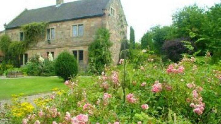 Hillside Croft, sleeps  16,  group holiday rental, Derbyshire