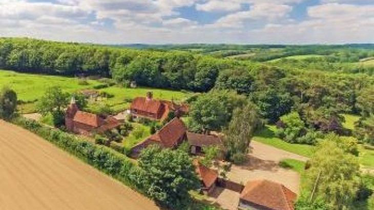 Fair Oak Farm - Your Country Estate, sleeps  36,  group holiday rental, East Sussex