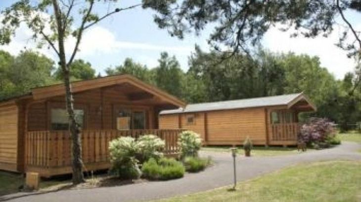 Cottesmore Lodges , sleeps  4,  luxury log cabins, West Sussex