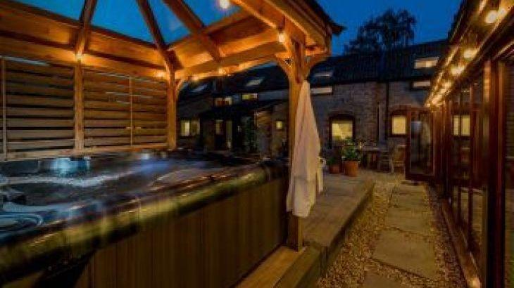 Walnut Arbour, sleeps  12,  group holiday rental, Somerset