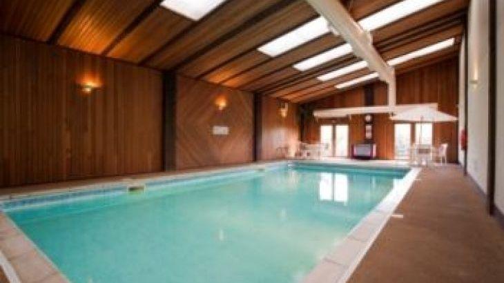 Long Barn, sleeps  29,  group holiday rental, Devon