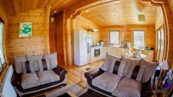 Forest View Retreat Lodges, sleeps  4,  luxury log cabins, Worcestershire