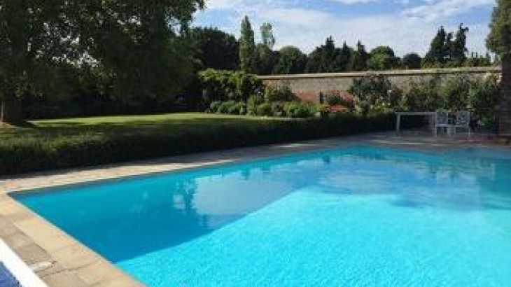 Northfields House, sleeps  28,  group holiday rental, West Sussex