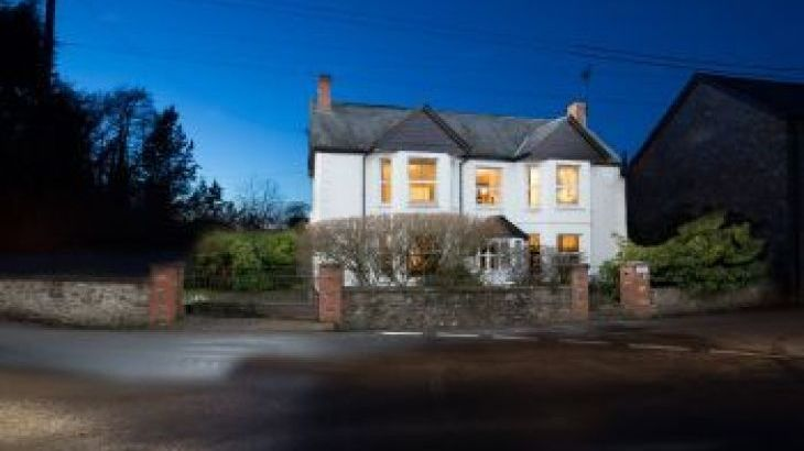 Culmbridge House, sleeps  12,  group holiday rental, Devon