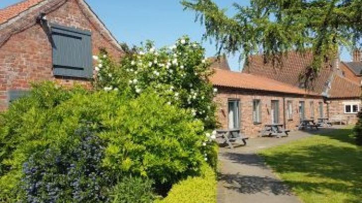 Elms Farm Cottages, sleeps  38,  group holiday rental, Lincolnshire