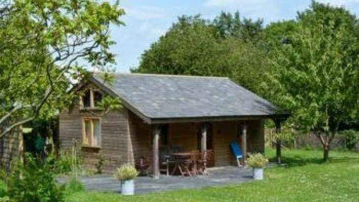 The Springs Romantic Retreat, sleeps  2,  luxury log cabins, Isle of Wight