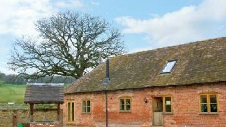 Milking Parlour Rural Retreat, sleeps  11,  group holiday rental, Shropshire