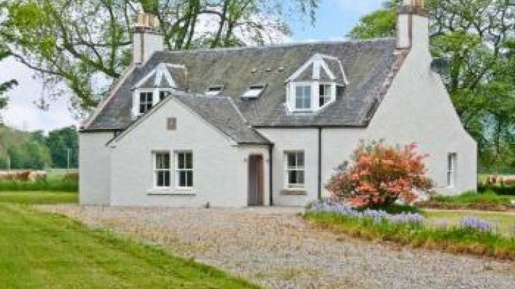 Easter Urray Rural Retreat, sleeps  10,  group holiday rental, Inverness-shire