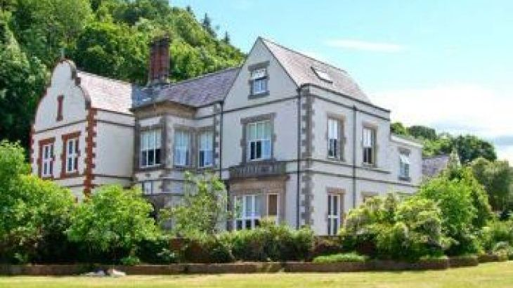 Tan Y Graig Country Estate, sleeps  16,  group holiday rental, Anglesey